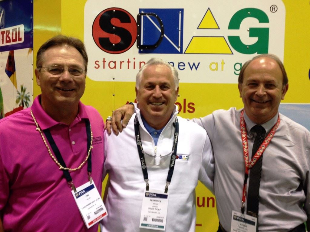 Cane Creek pro Kenny Szuch (R) hanging out with former Florida State teammates Tim Allen (L) and Terry Anton, now with SNAG Golf. On the cover, Szuch is with fashion designer Mossimo Giannulli and a sampling of the G-Fore line of shoes of gloves,