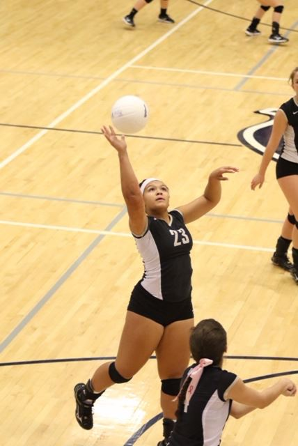 Winter Taylor scored 11 kills in Oxford's semifinal victory over Alexandria and 18 in the Yellow Jackets' two wins. (Photo by Kristen Stringer/Krisp Pics Photography)