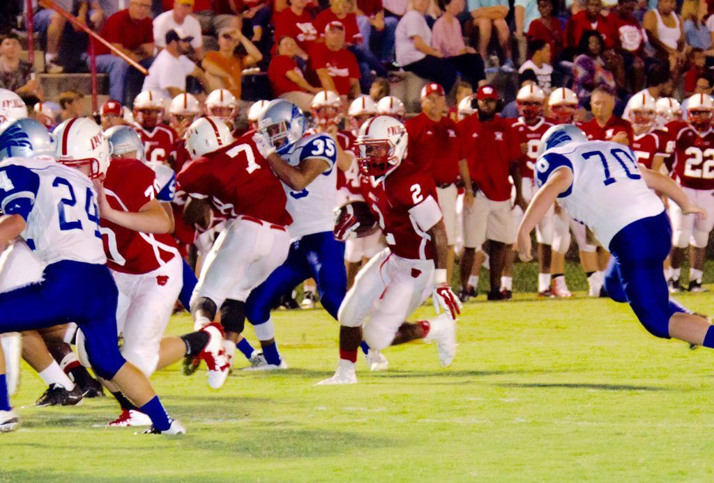 Coby Nunn (7) looks for running room in Wadley's  victory over Appalachian Friday night. (Photo by Christy Fordham)